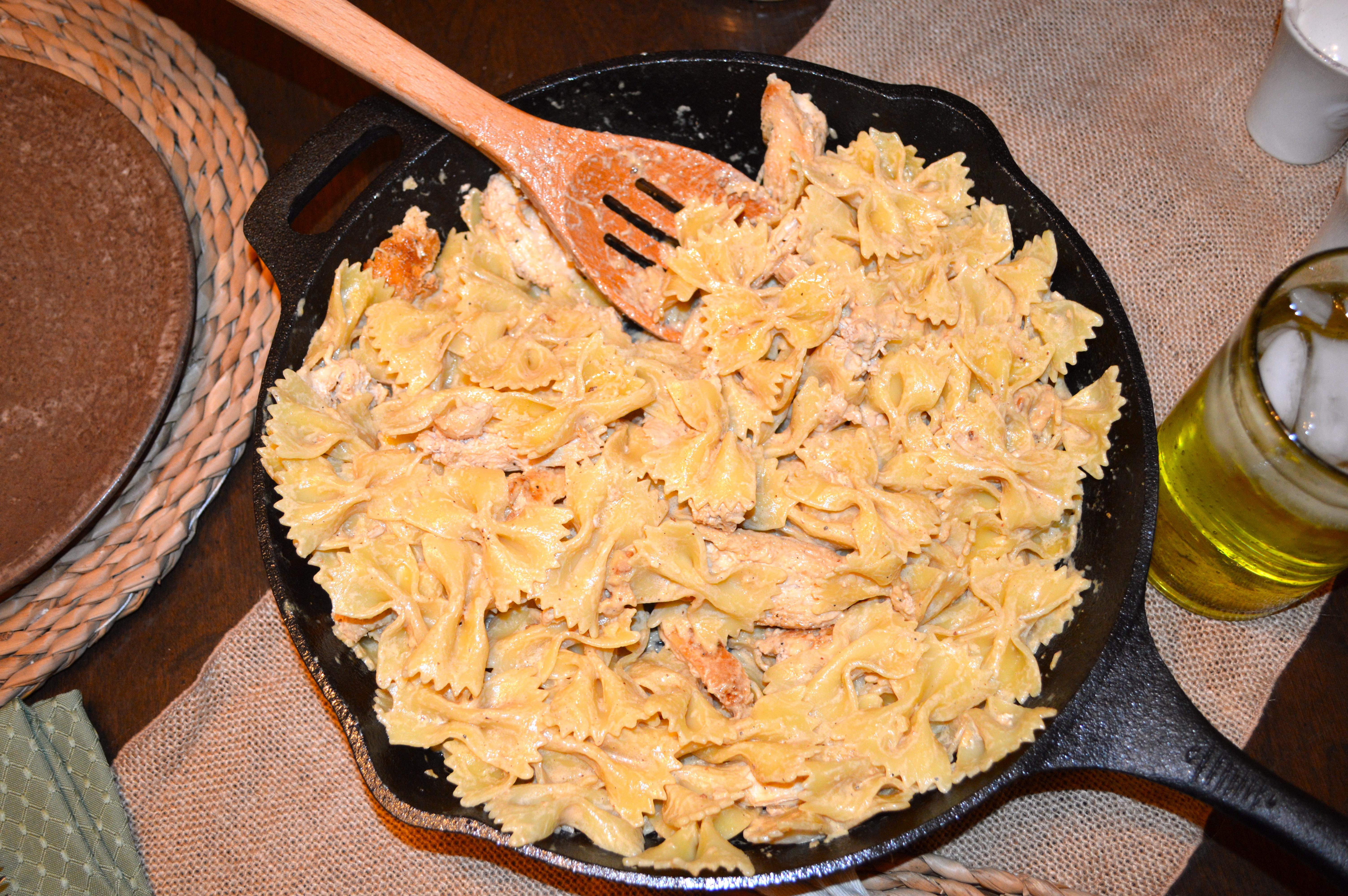 Skillet Bow Tie Chicken Alfredo Pasta It Is Well